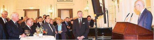 Empfang im Atlantic-Hotel Kempinksi: Hamburgs Finanzsenator Dr. Peter Tschentscher (rechts) unterstrich die Bedeutung deutsch-russischer Städtepartnerschaften in seiner Ansprache.