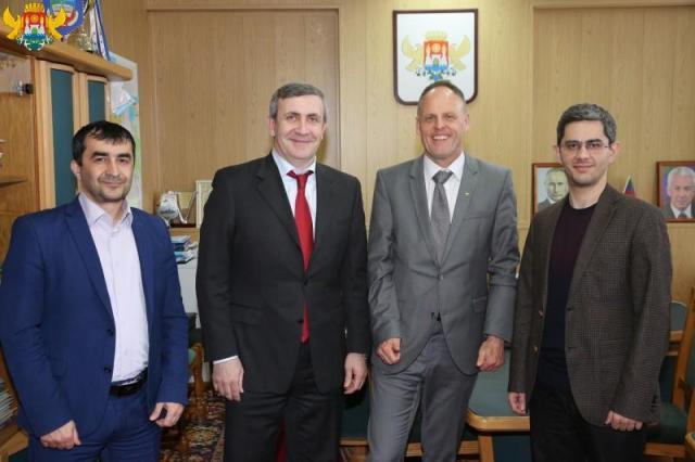GDRD - Machatschkala - Dr. Mennen bei Vize-BM